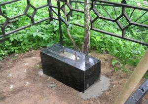 Постамент памятника
