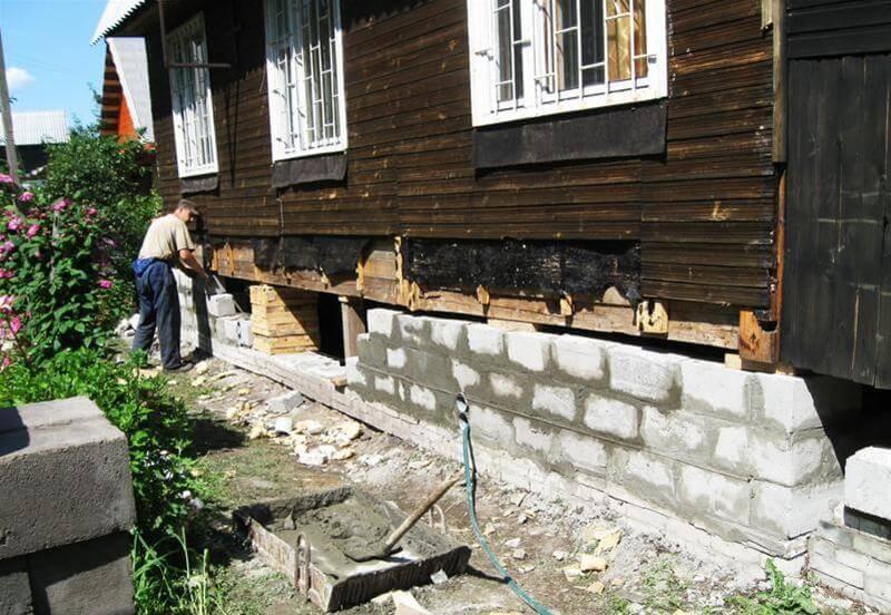 Залить фундамент под старый дом своими руками видео